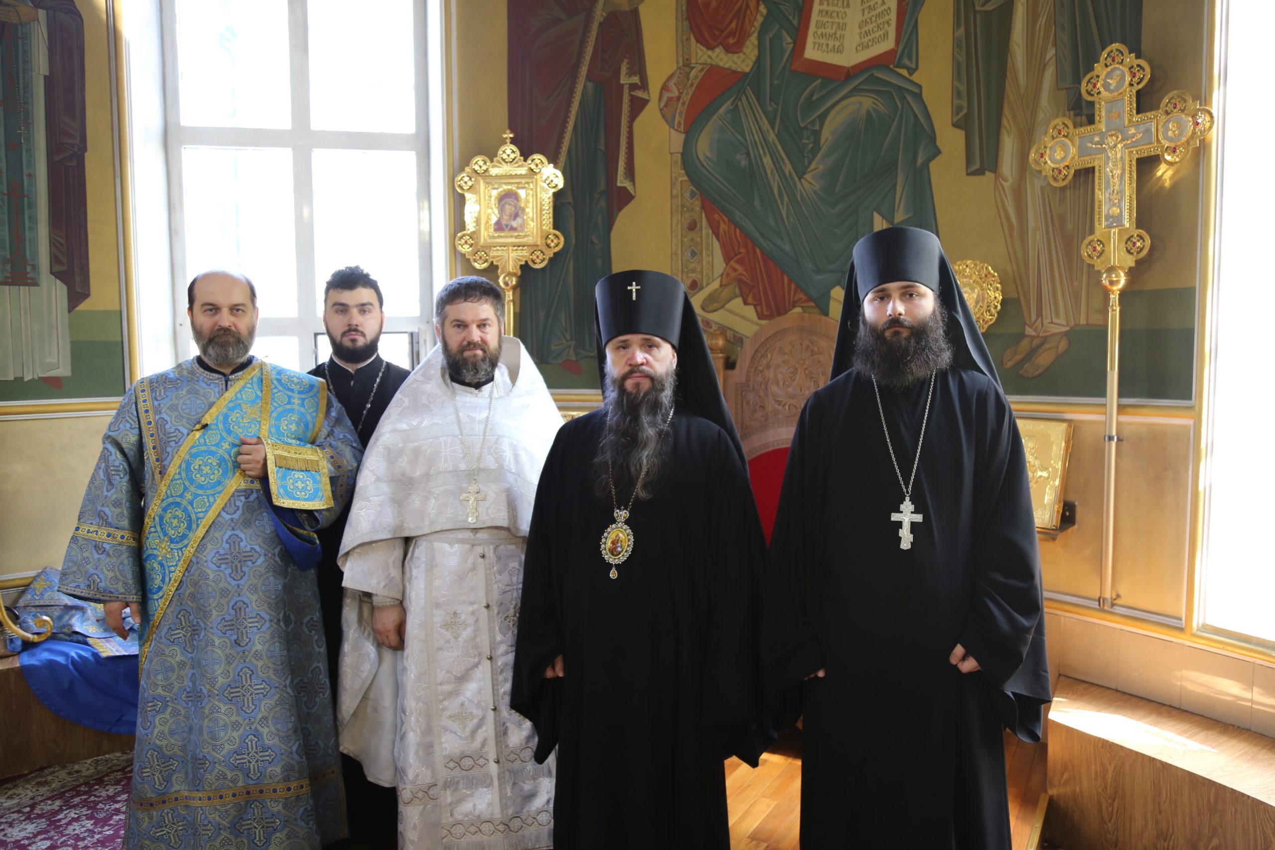 В праздник Покрова Пресвятой Богородицы архиепископ Варлаам совершил Литургию и священническую хиротонию в Успенском соборе Махачкалы